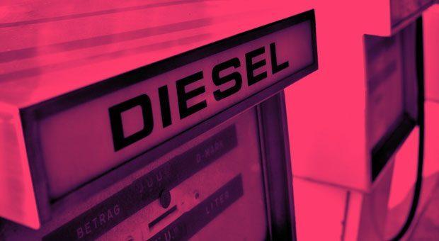 Tanklager mit einem Dieselschild