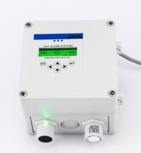 MSR-Electronic_Gasmessung Multi-Gas-Controller im hellgrauen Gehäuse mit Kabel, Display, Sensor und Warnleuchte